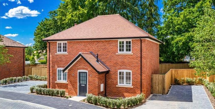 Supplying bricks for bespoke homes