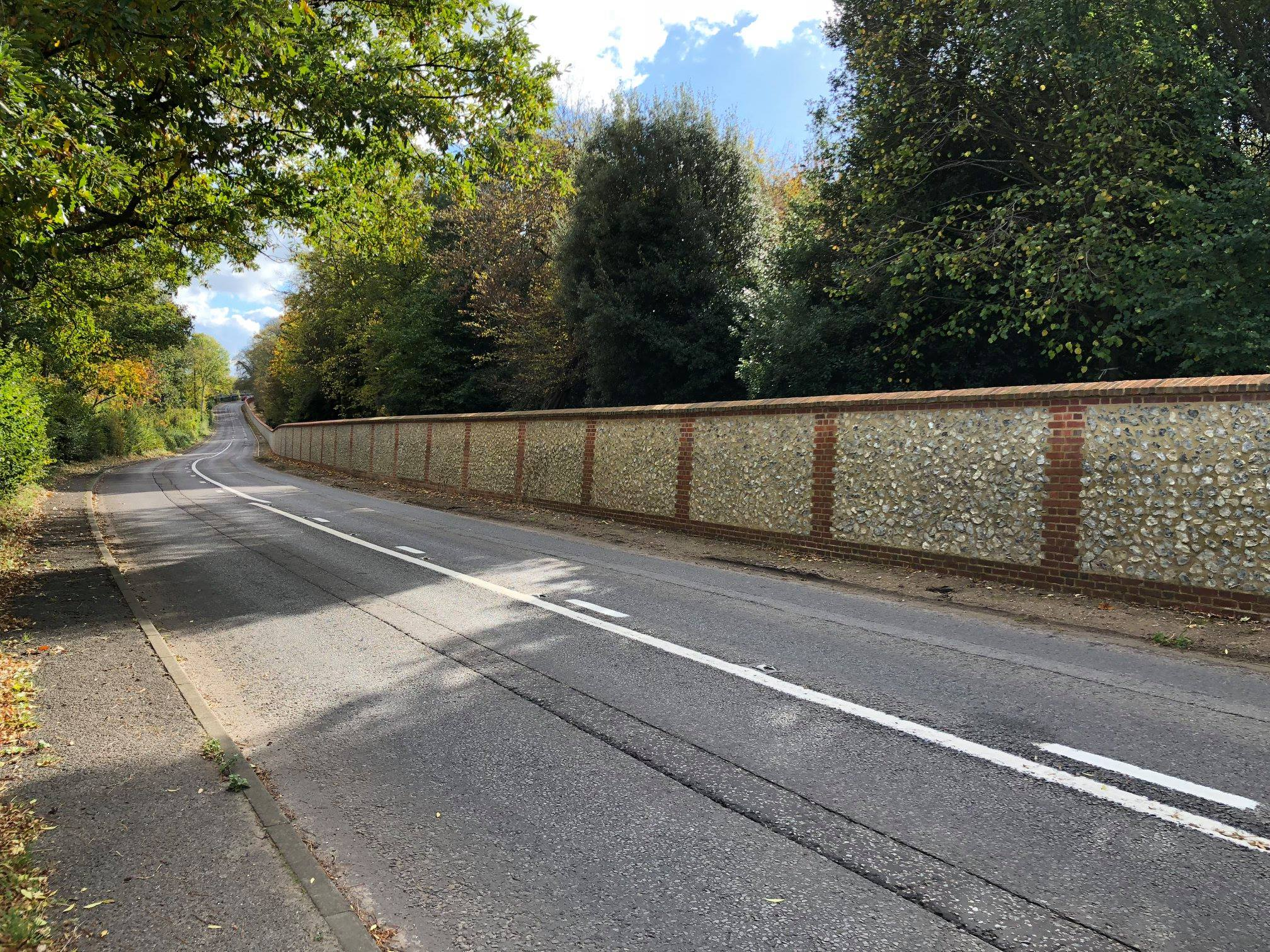 Basildon wall national trust loose flint