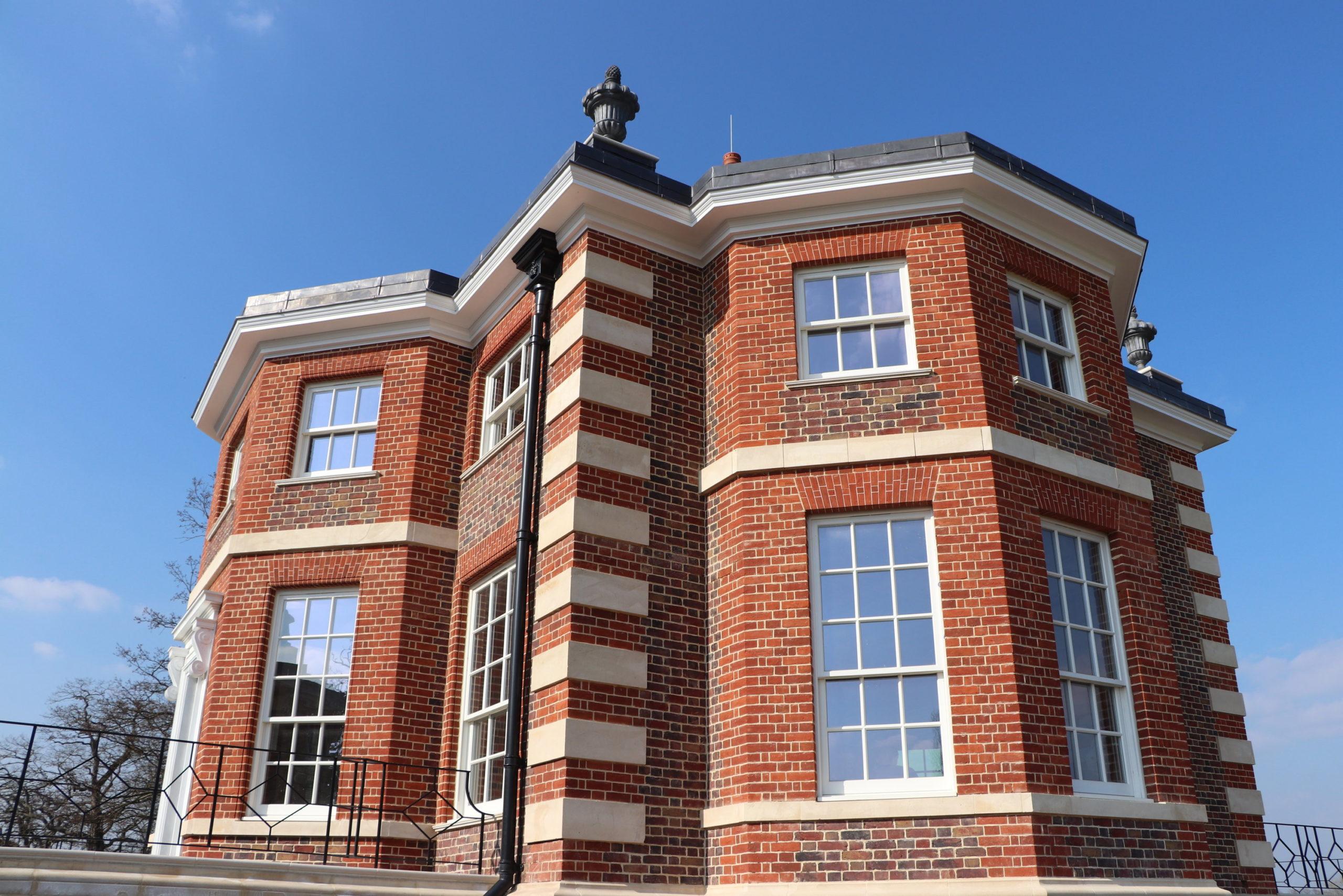 Hampton Court Pavilion, red bricks, stone quoins
