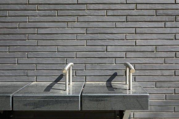 Linear grey bricks