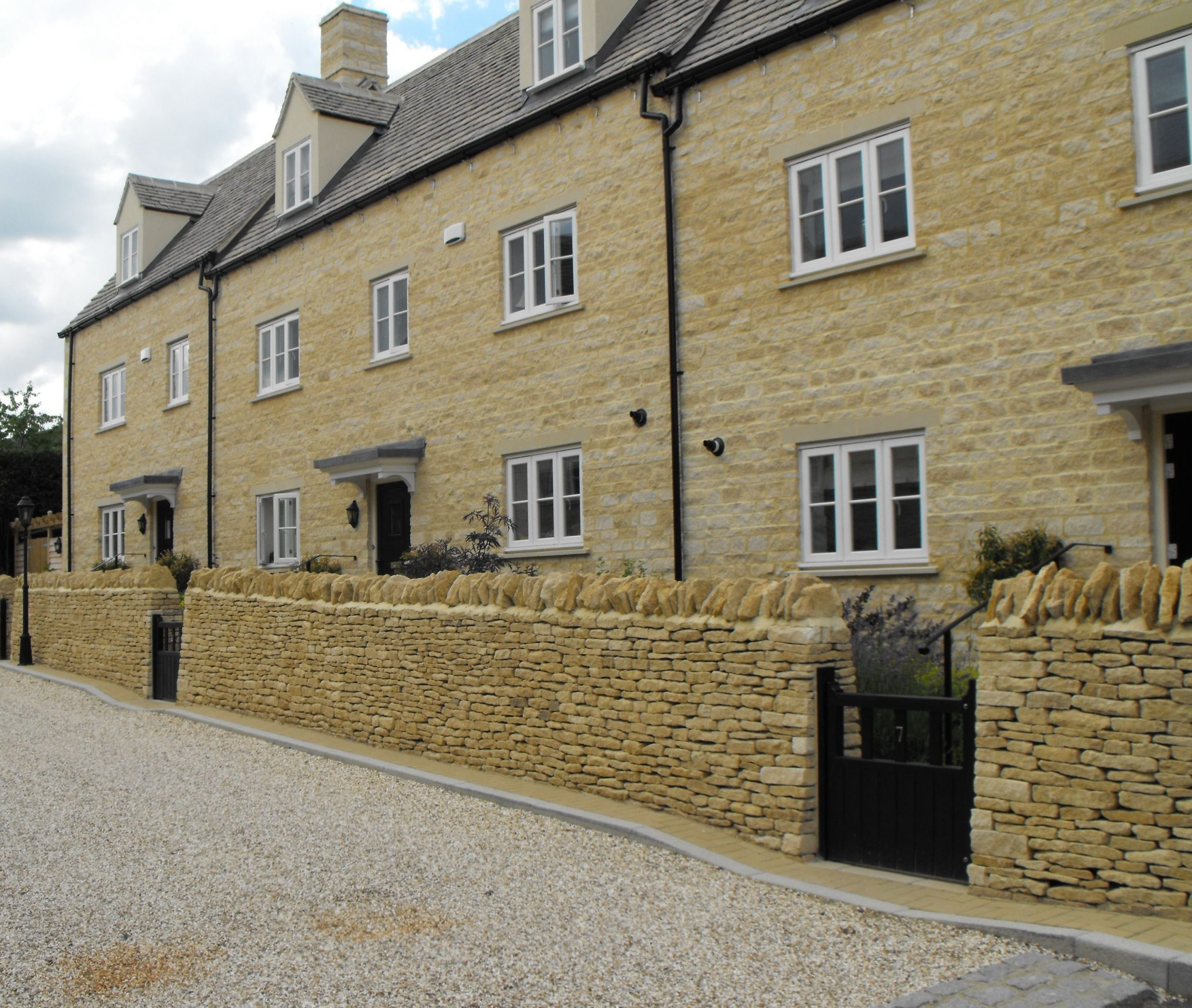 Natural stone dry walling