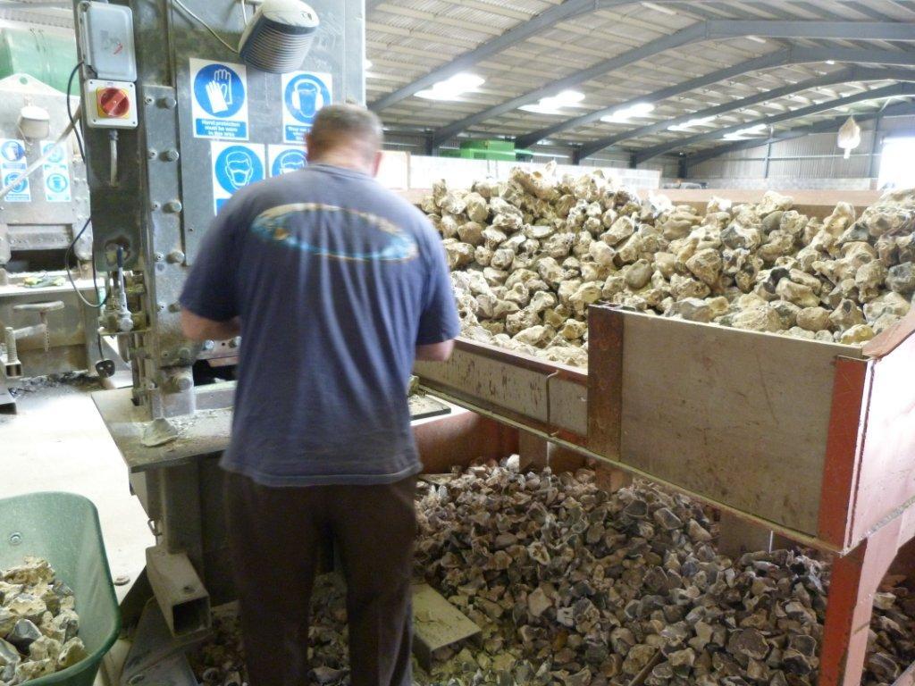 Loose flint production factory