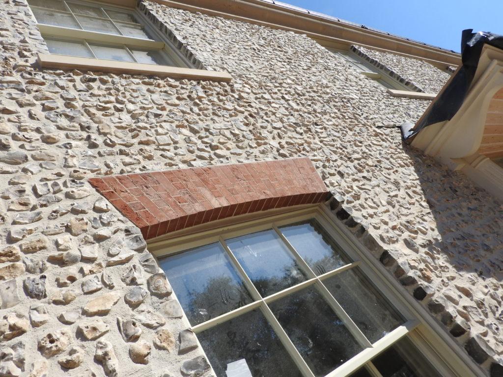 Knapped flint block exterior wall