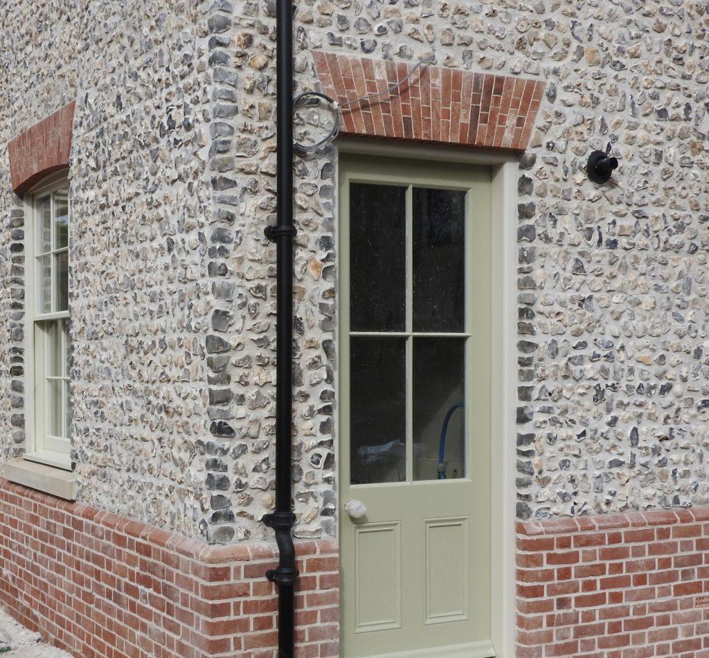 Knapped flint block wall, corner reveal